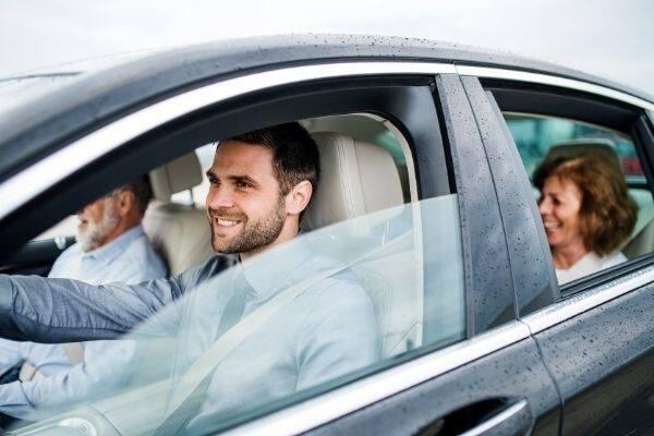 Best Transportation Options for Aging Parents